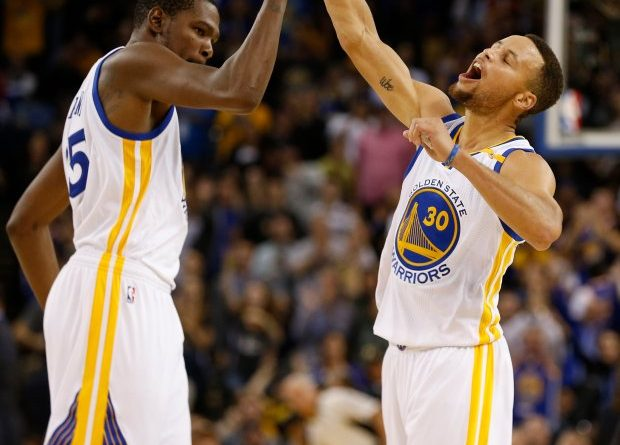 a8d3c0ce192f Kevin Durant on What it Means When Steph Curry Pulls Up For Super Deep  Threes